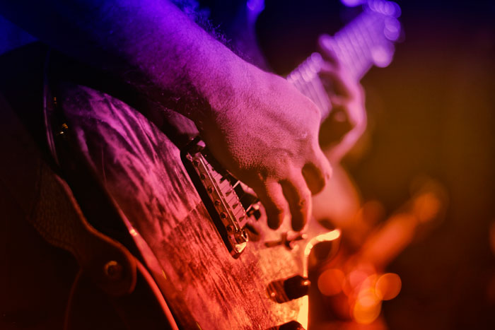 How to play pop music on the guitar with the Consonus Method by Mike Christiansen
